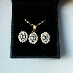 Vintage blue & white gold pendant & earring suite